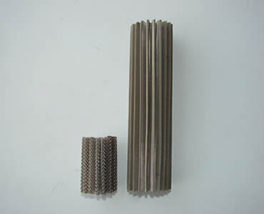 Two cartridge filters in different length without aluminum bottom.