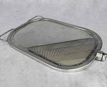 An oval leaf filter with tubular frame show us its inner structure.